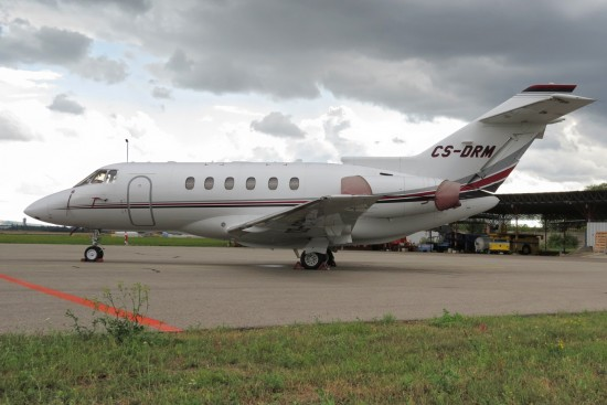 Raytheon Hawker 800XP - CS-DRM