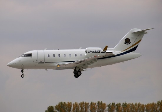 Bombardier CL-600-2B16 Challenger 605 - M-ARKZ
