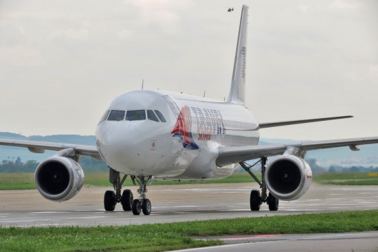 Airbus A320-214 - YL-LCE