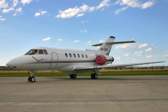 Raytheon Hawker 800XP - CS-DRG