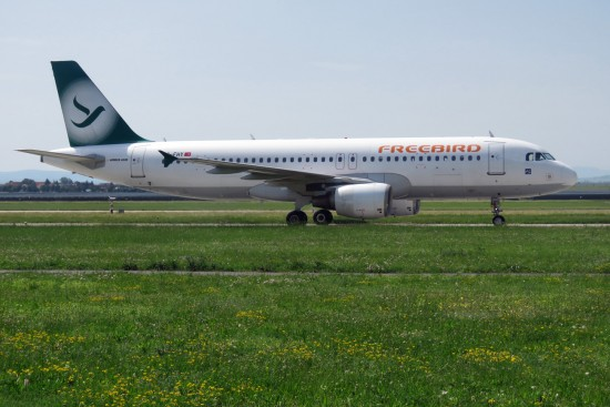 Airbus A320-214 - TC-FHY