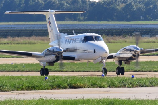 Beech 200 Super King Air - HB-GLB