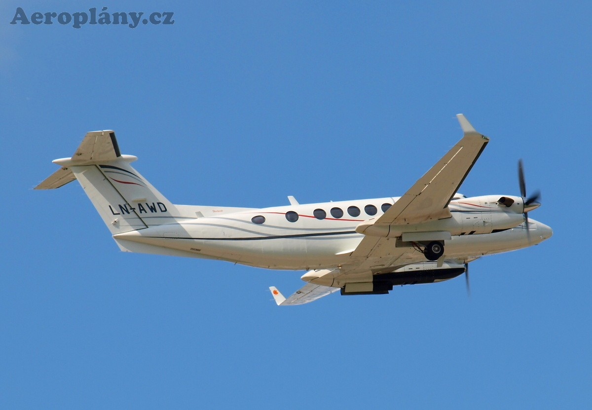 Beechcraft 350 Super King Air - LN-AWD