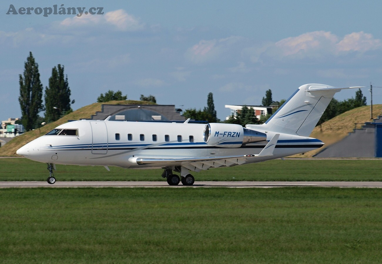 Bombardier CL600-2B16 Challenger 605 - M-FRZN