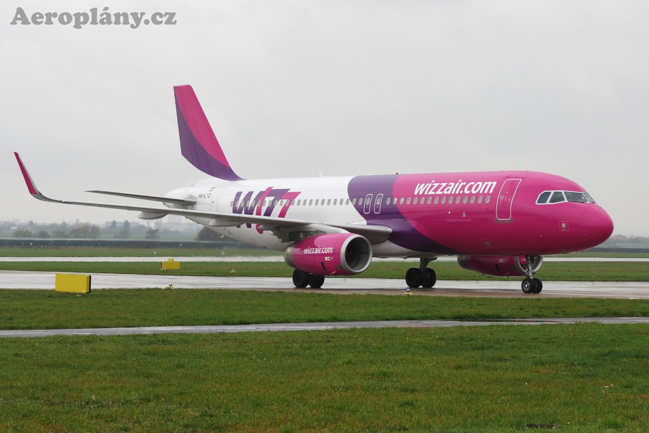 Airbus A320-232 - HA-LYD