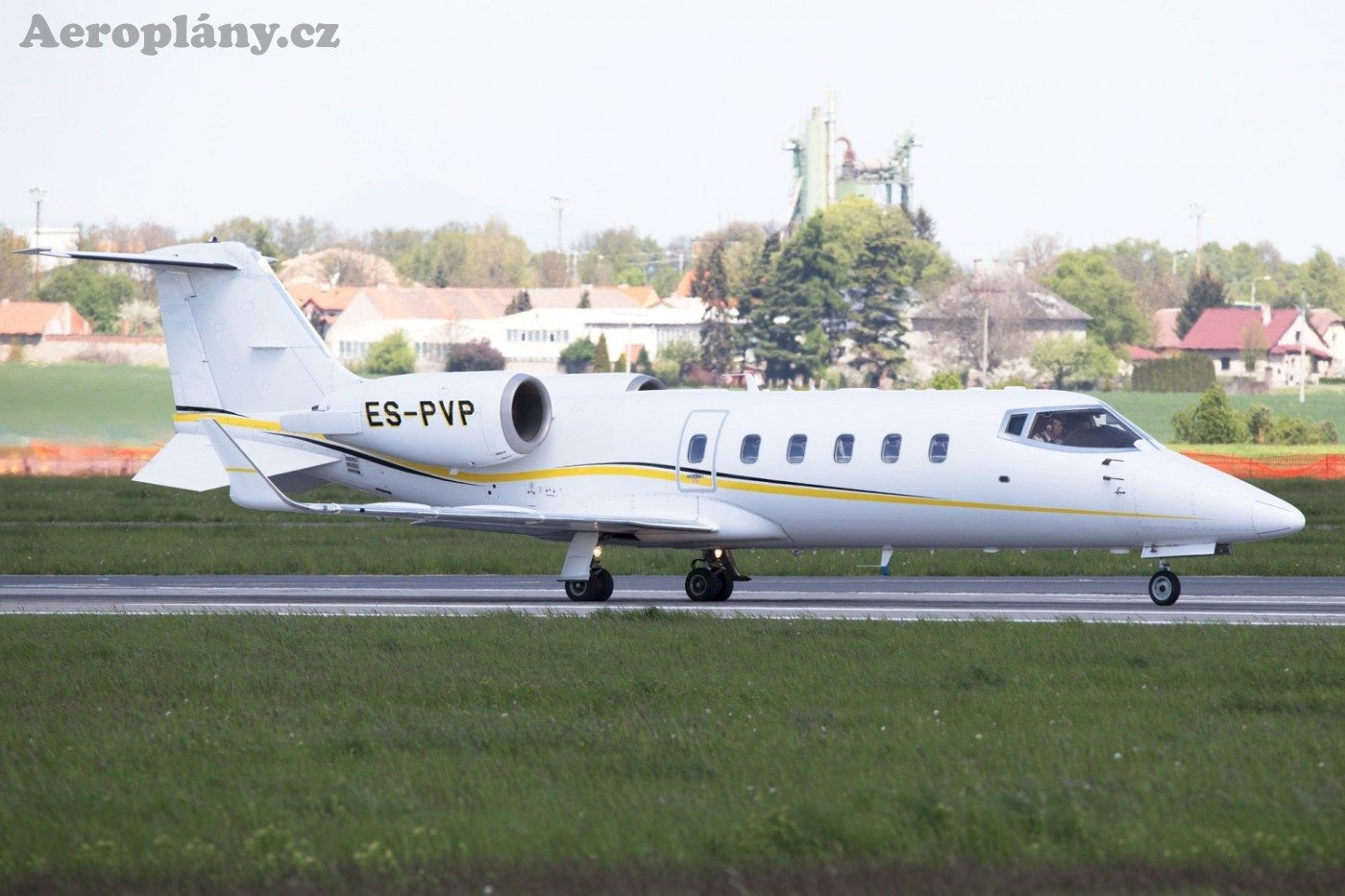 Learjet 60 Avies Air
